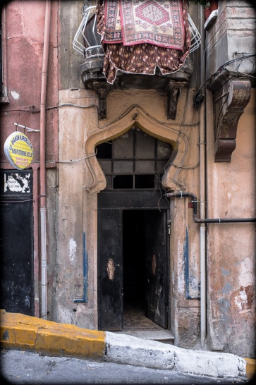 An archway at the entrance of a tenement in the Tarlebaşı quarter of Istanbul, 2012. (Fuji X100) Click to enlarge.