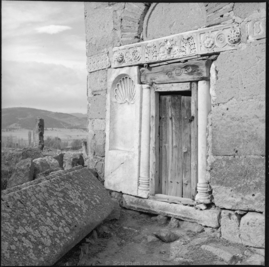 Spolia, Seljuk Mausoleum, environs of Eskişehir, Turkey, 1997. Scan of print of b/w negative, Rolleiflex T Tessar f3.5. Click to enlarge.